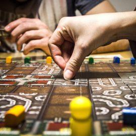 Como xadrez, jogos de tabuleiro e o poker podem te fazer um estudante melhor