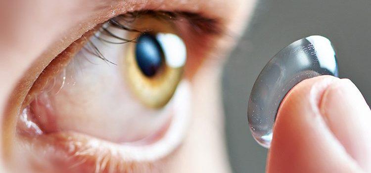 Oculos x Lentes de contato – qual o melhor para usar estudando?
