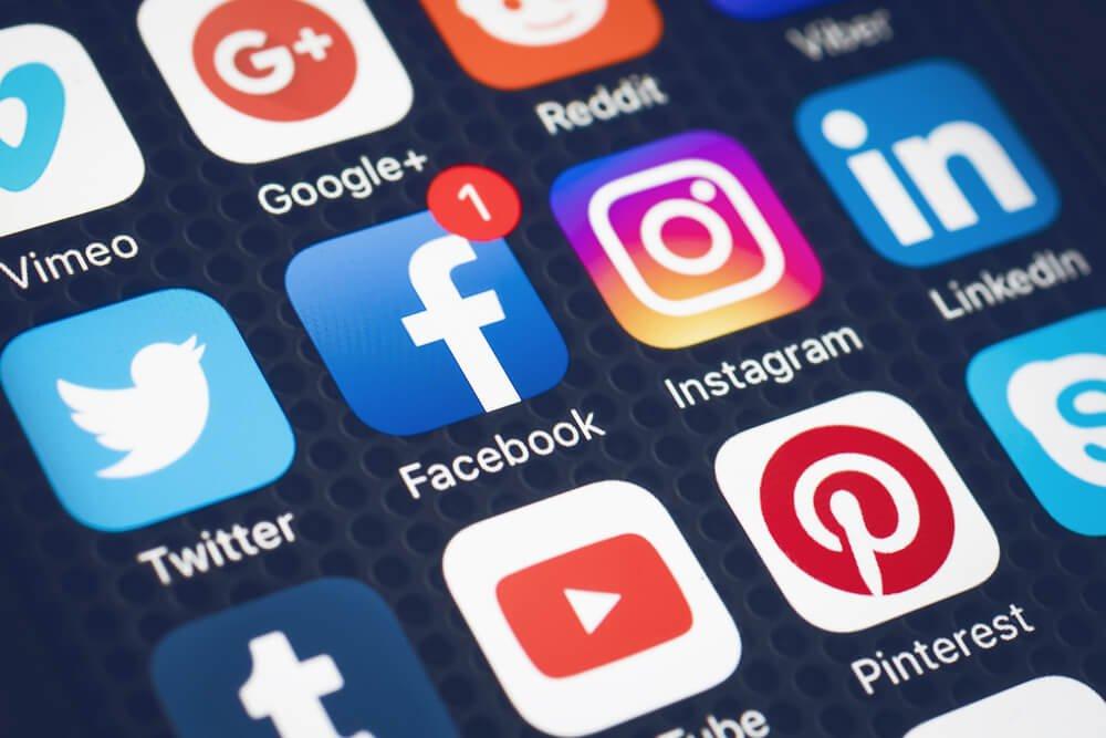 redes sociais atrapalham os estudos